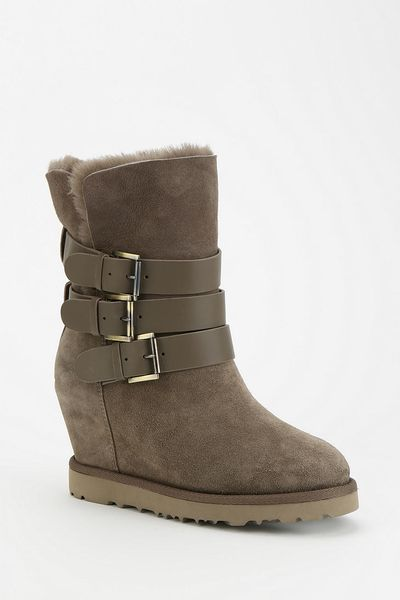 outfitters ash yes triplebuckle wedge boot in