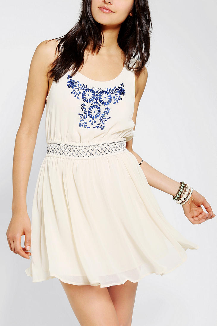 4ca7f0622c Urban Outfitters Embroidered Heidi Dress in White - Lyst