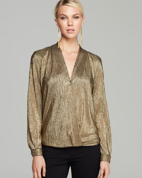 Gold Blouse | Gommap Blog