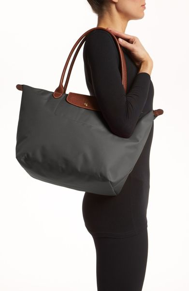 longchamp 39 large le pliage 39 tote in gray gunmetal lyst. Black Bedroom Furniture Sets. Home Design Ideas