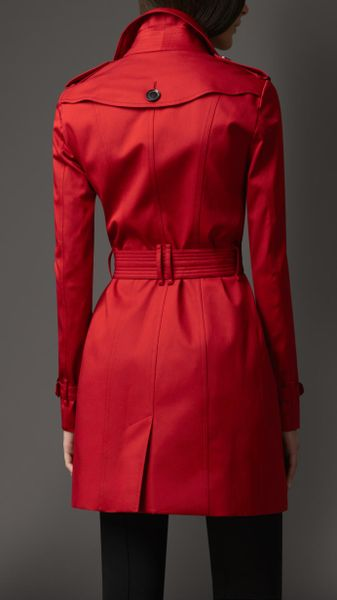 Burberry Mid Length Rainwear Cotton Trench Coat In Red