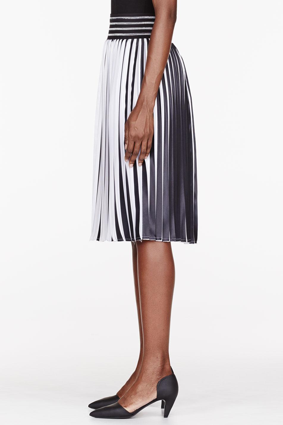 Christopher kane Black and White Pleated Skirt in Black | Lyst