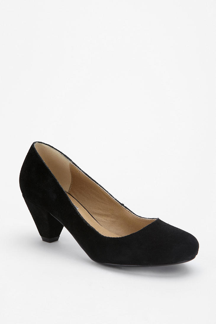Urban outfitters Bdg Suede Kitten Heel in Black | Lyst