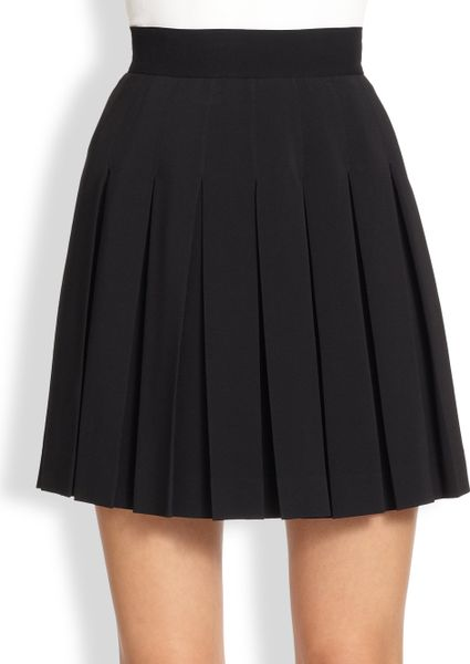 pleated black mini skirt pictures
