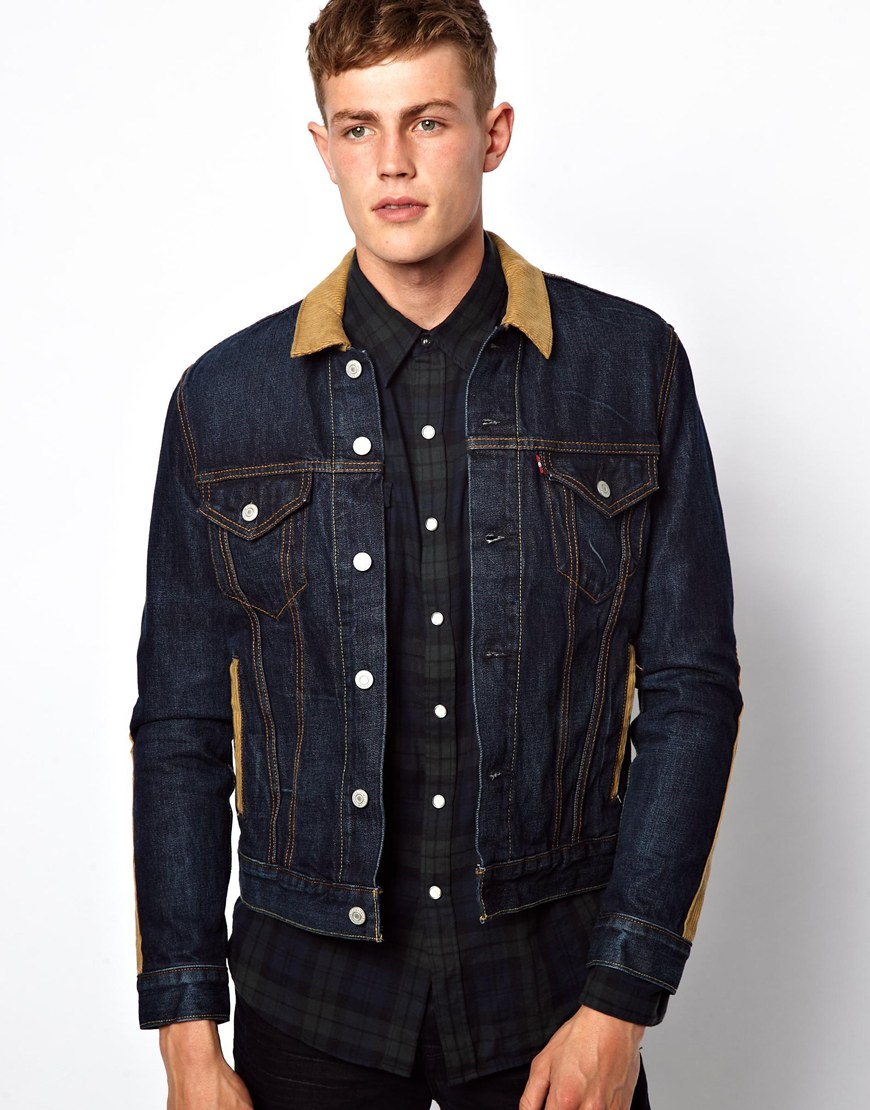 Add flair to an outfit with this men's Levi's denim jacket.