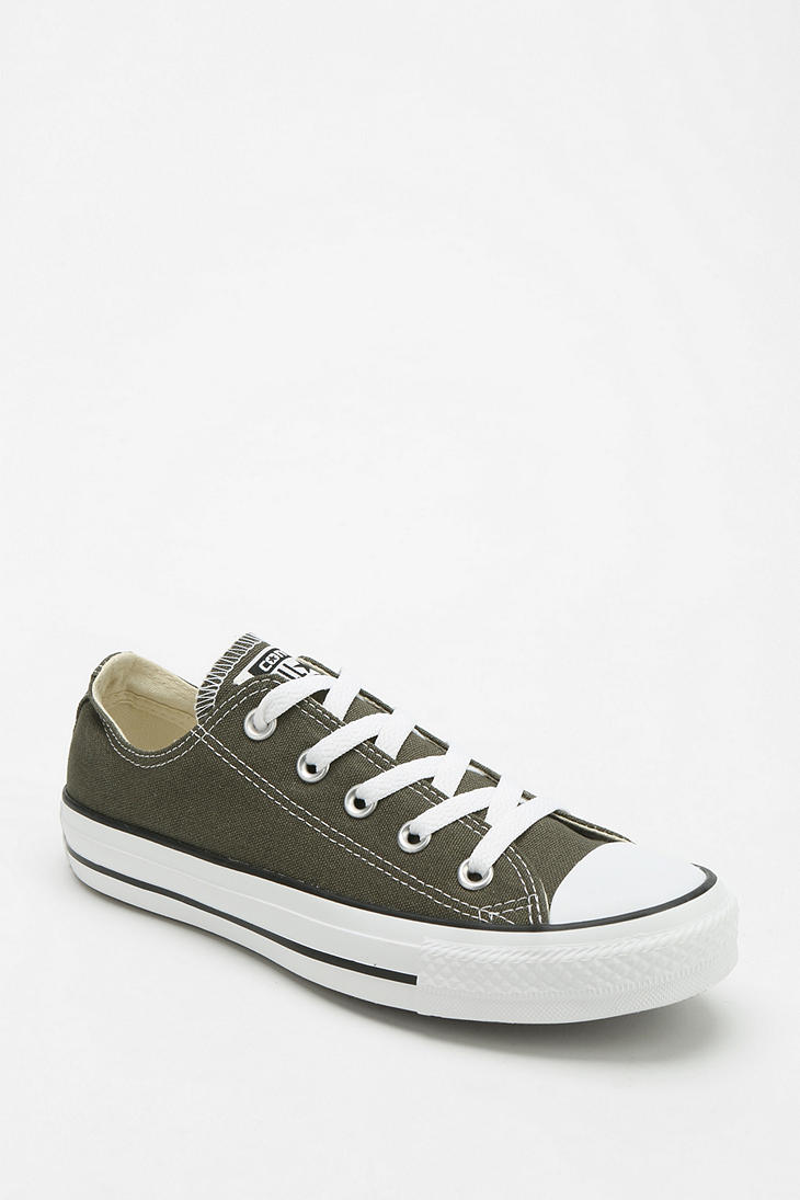 8b035363713e Lyst - Urban Outfitters Converse Chuck Taylor All Star Womens Lowtop ...