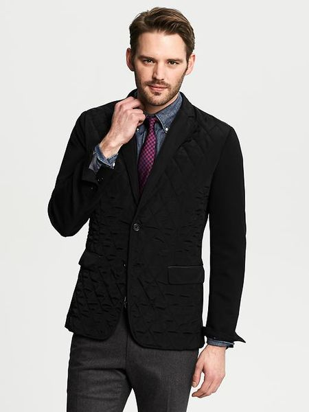 Banana Republic Mens Linen Blazer Complete an incredible outfit with men's linen blazers from this inspired line at Banana Republic. These linen blazers for men are lightweight and breathable.