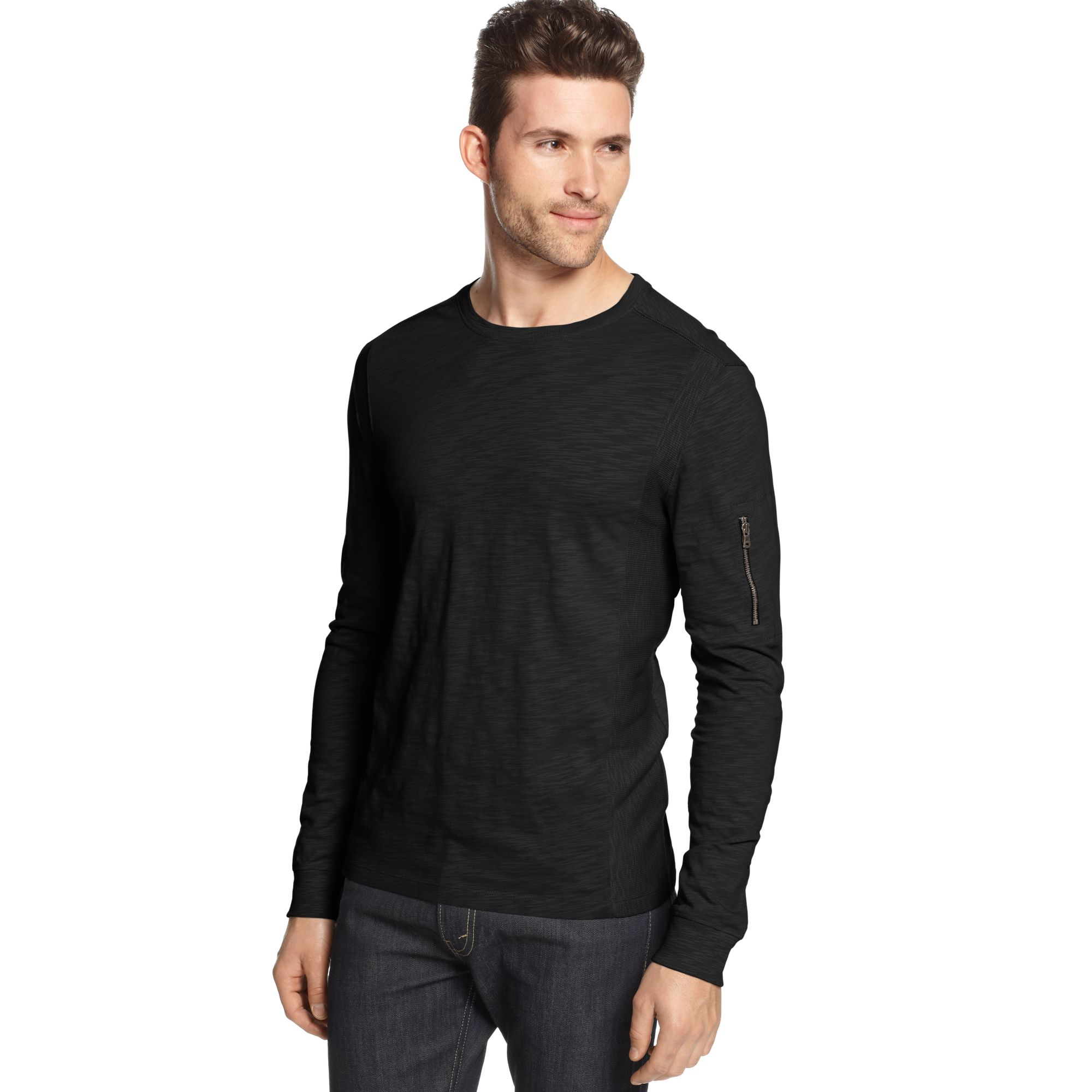 Men's crew neck t-shirts are easy to wear and style. Our t-shirts have super soft fabric, so you can go through your day in comfort. Pair a Contrast Pocket Crew Neck Tee with some Skinny Dark Wash Soft Cotton Jeans for a casual outfit.