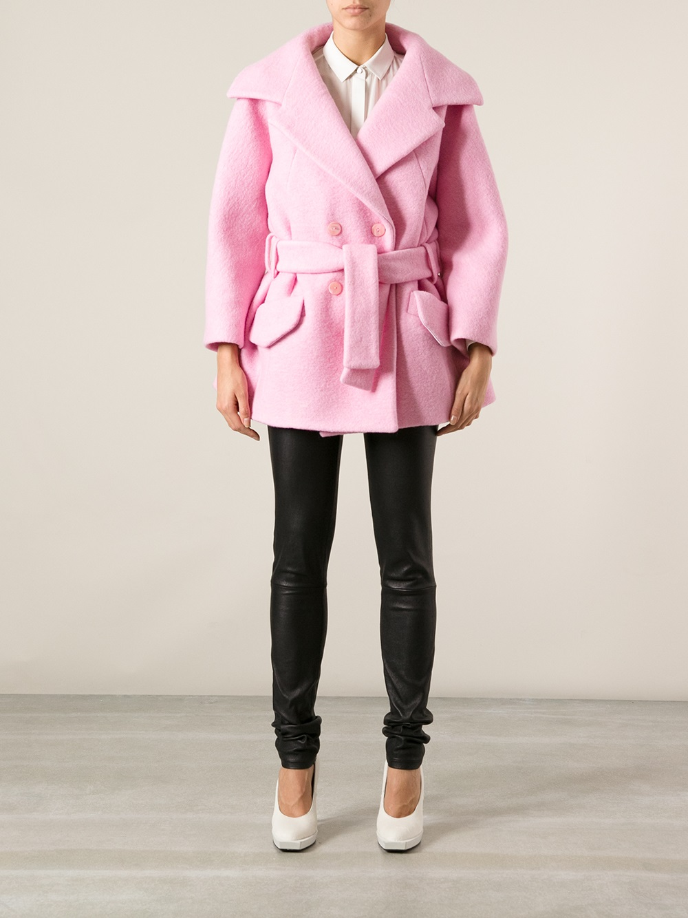 Carven Oversize Belted Coat in Pink | Lyst