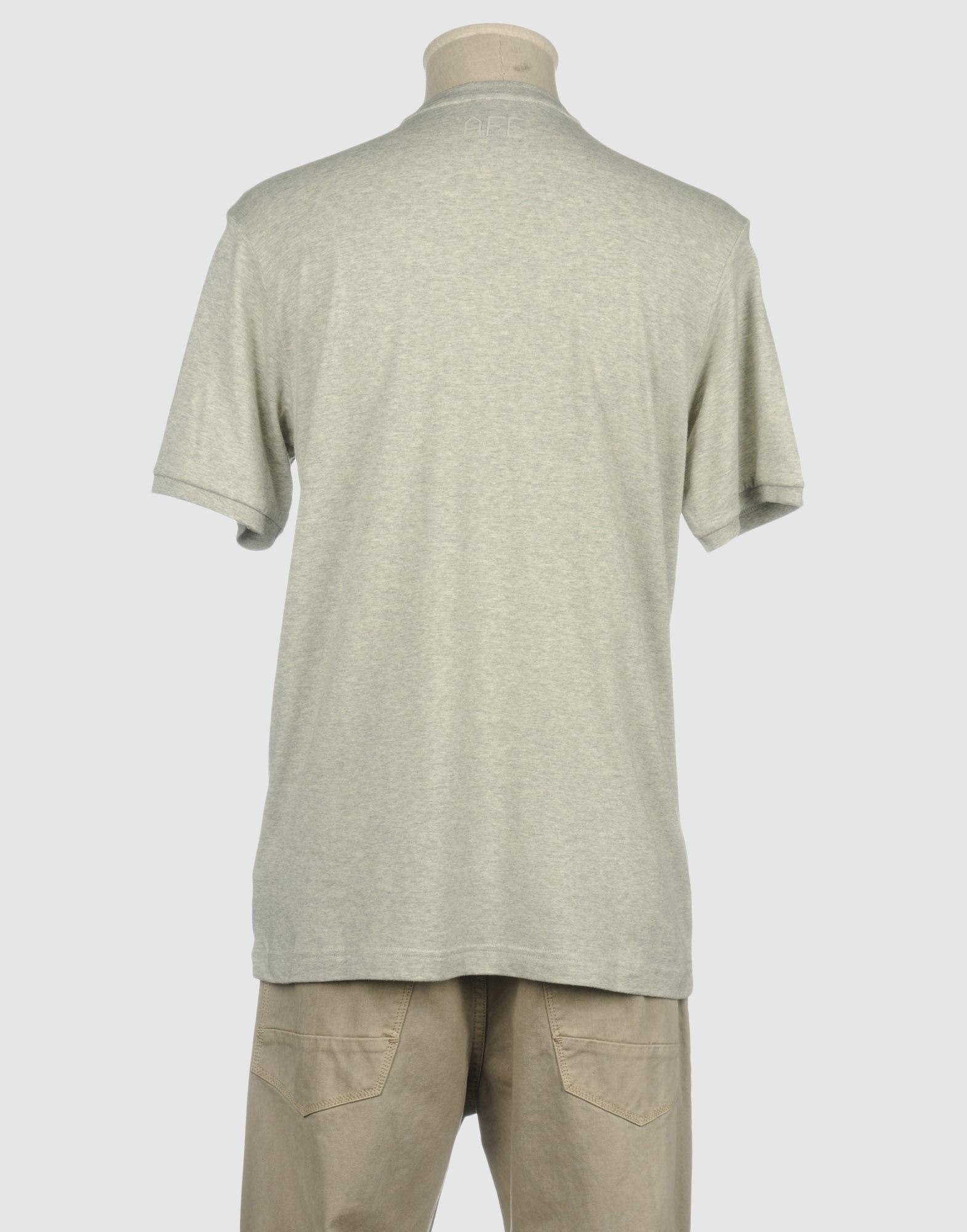 Nike short sleeve t shirt in gray for men lyst for Nike short sleeve shirt