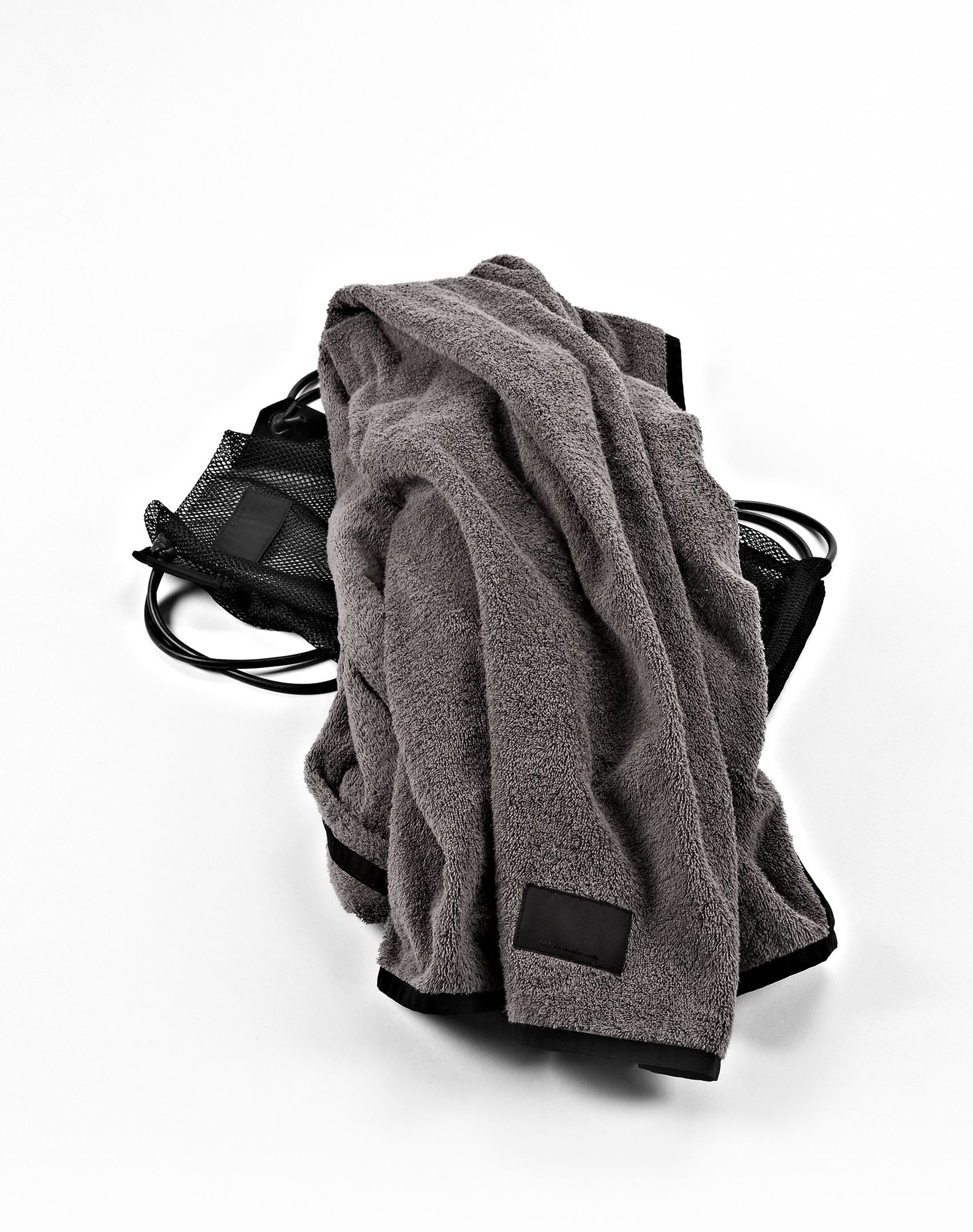Alexander Wang Towelwith Mesh Bag in Gray for Men - Lyst 9afd29e6d5767
