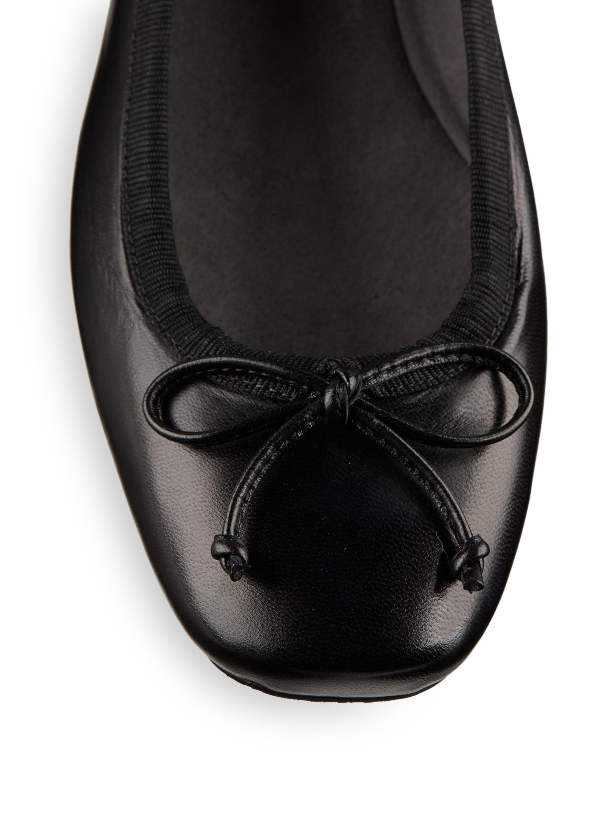 Stuart Weitzman Shoestring Leather Ballet Flats In Black