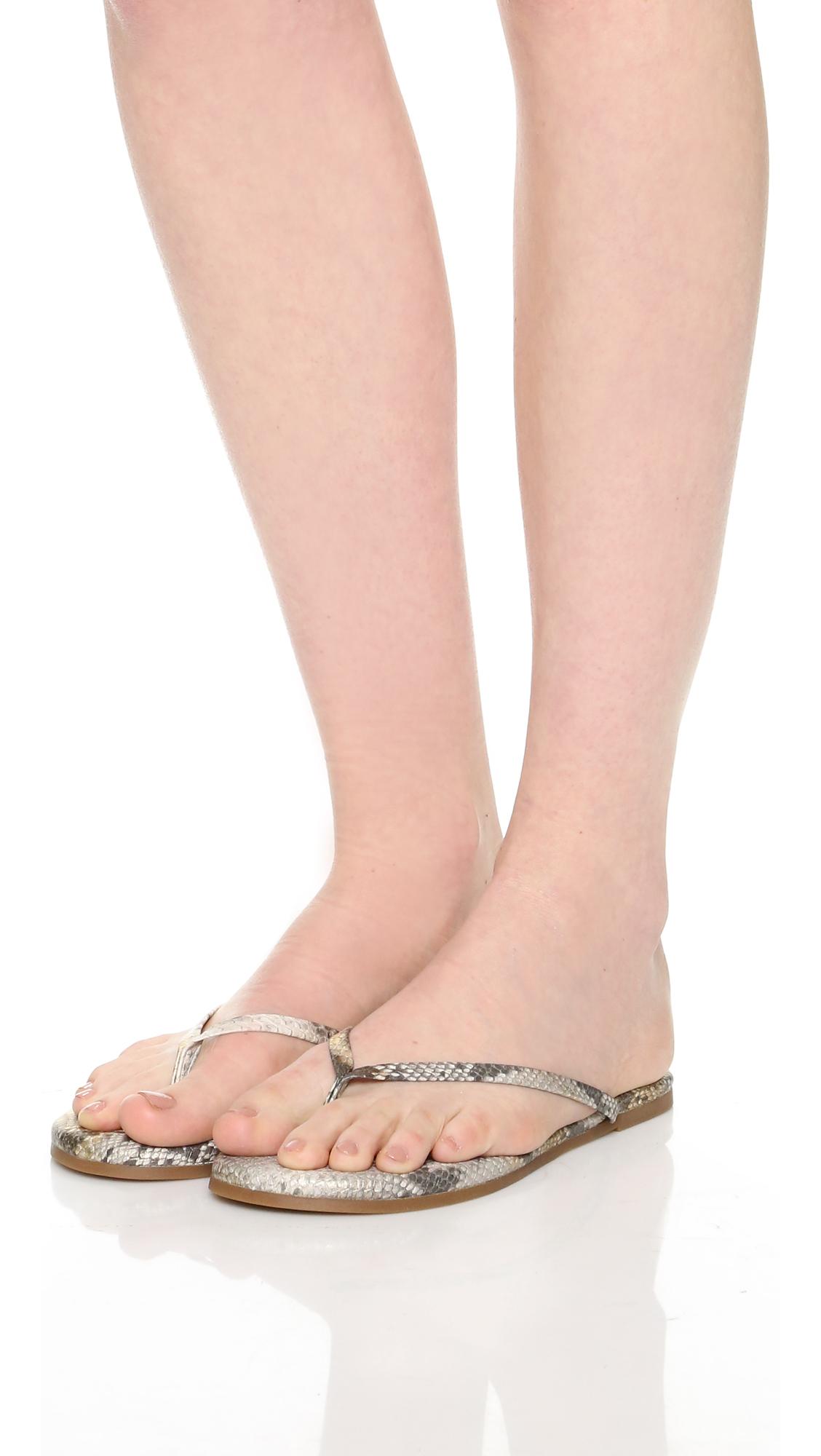 Yosi Samra Women's Rivington Flip Flop oEGGSou
