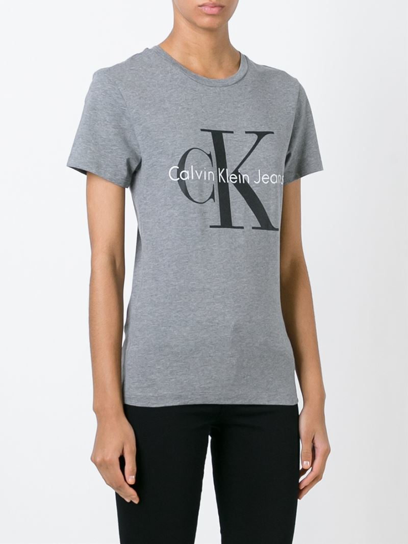 calvin klein jeans logo print t shirt in gray lyst. Black Bedroom Furniture Sets. Home Design Ideas