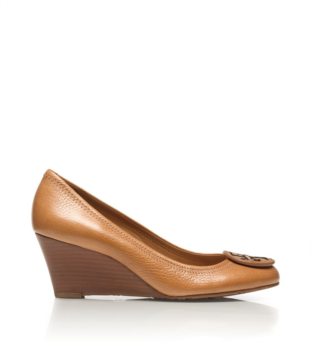 4db7d5390218 Tory Burch Sally Wedge in Brown - Lyst