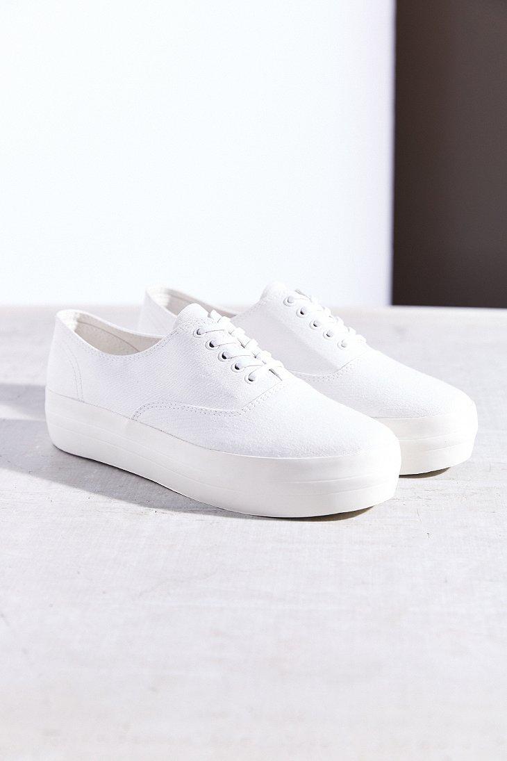 d91468daec98c4 Lyst - Vagabond Keira Platform Low-Top Sneaker in White