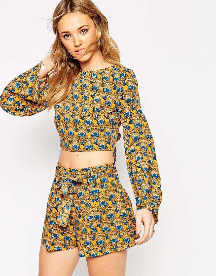 d54b92862e33c Lyst - ASOS 70s Geo Floral Kimono Sleeve Crop Top With Open Back And Tie