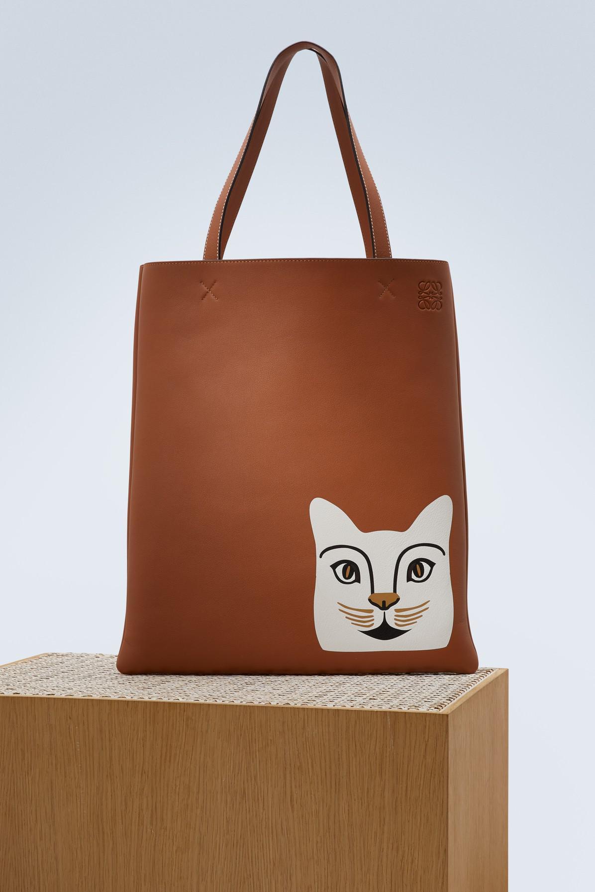 Loewe Sac Cabas Vertical Cat en Cuir de Veau Tan et Blanc uuBaDlx