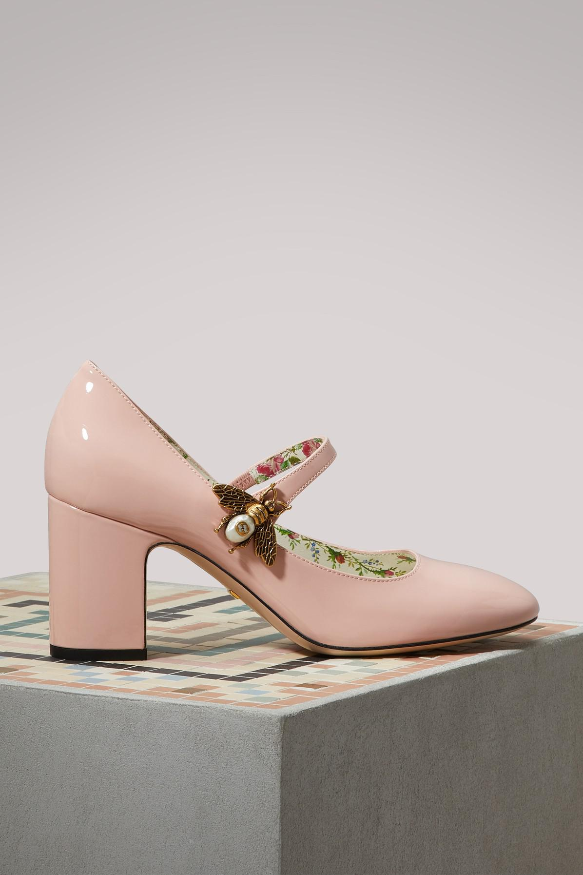 d5b3f47c71cd Gucci. Women s Pink Patent Leather Court Shoes With Bee