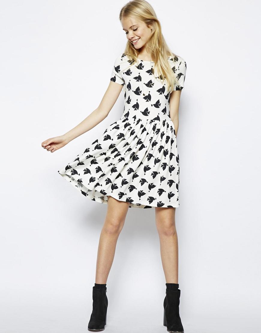 f1d3a9bdb74e Lyst - ASOS Skater Dress in Bird and Heart Print