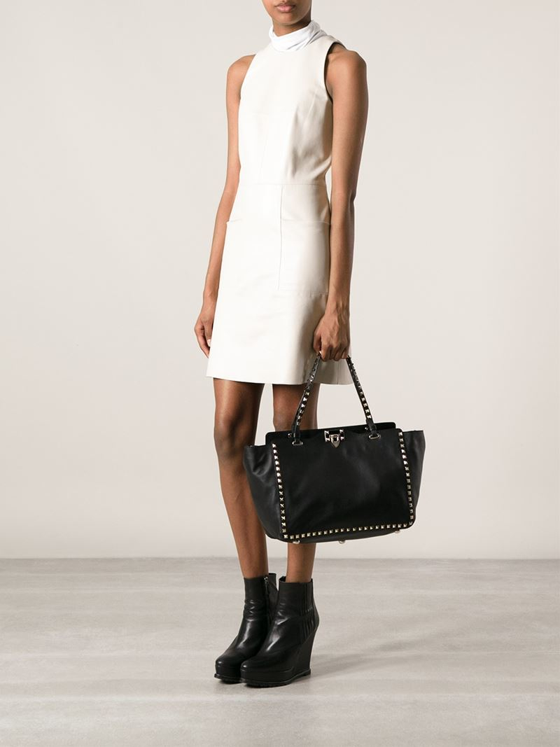 9611103408 Valentino Large 'Rockstud' Trapeze Tote in Black - Lyst