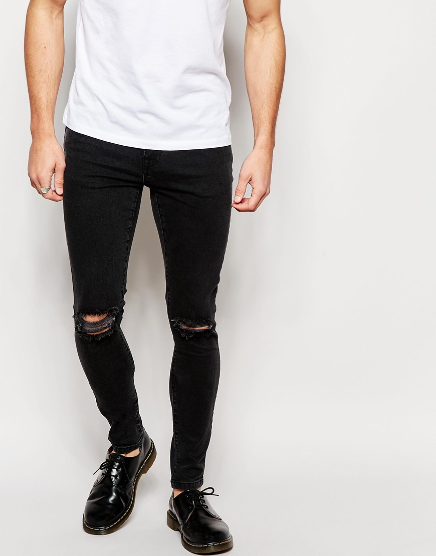If you like your denim ripped, you've come to the right place. Our men's ripped jeans have casual weekends covered, while our slim and straight leg cuts nail smart casual style. Looking for something slimmer? We've got skinnies in every wash, too.