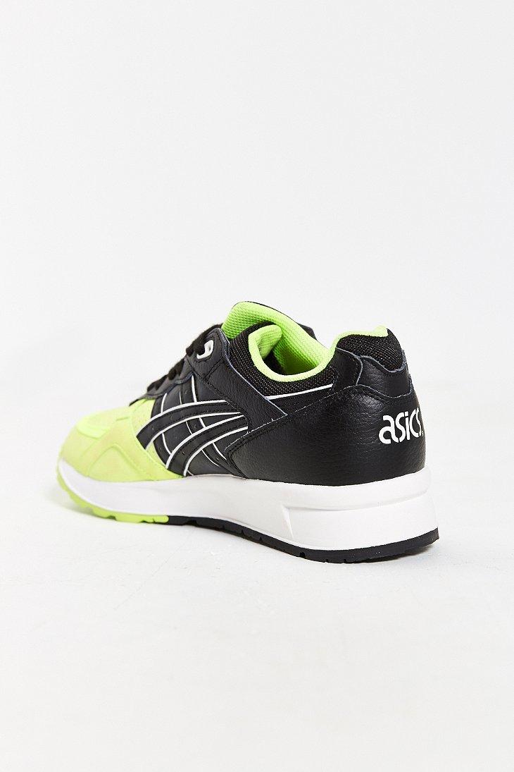 Lightweight Running Shoes Versus Cushioned
