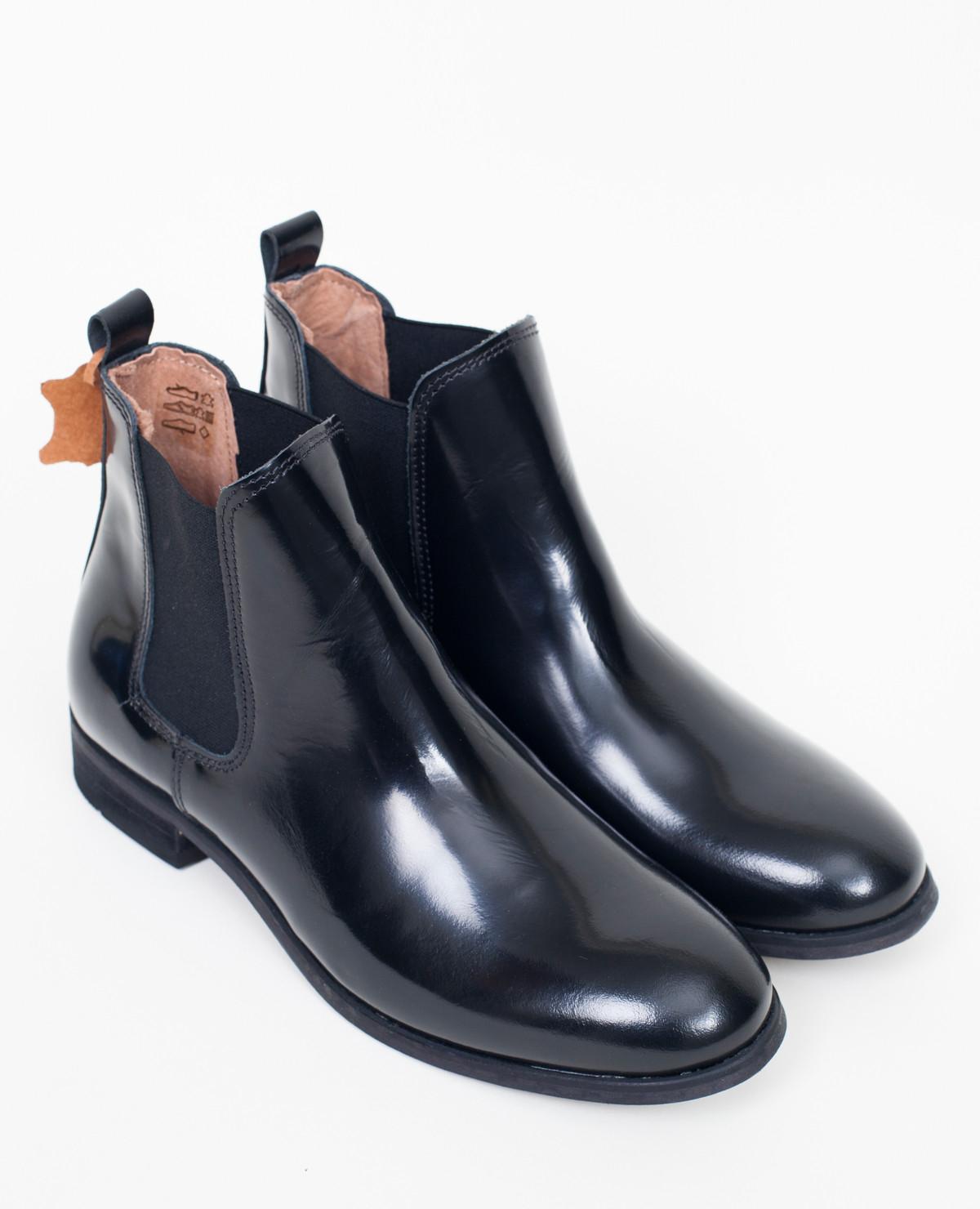 shoe the bear chelsea boot black in black lyst. Black Bedroom Furniture Sets. Home Design Ideas