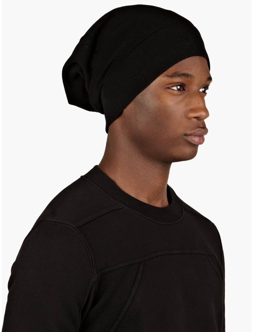Comfy bucket hats and beanies for men provide warmth and add style to an otherwise basic street-look. Soft, single-tone, ribbed beanies complement a minimalist wardrobe. Play around with the brim on different beanies or bucket hats to create several looks that help you stand out or blend in.