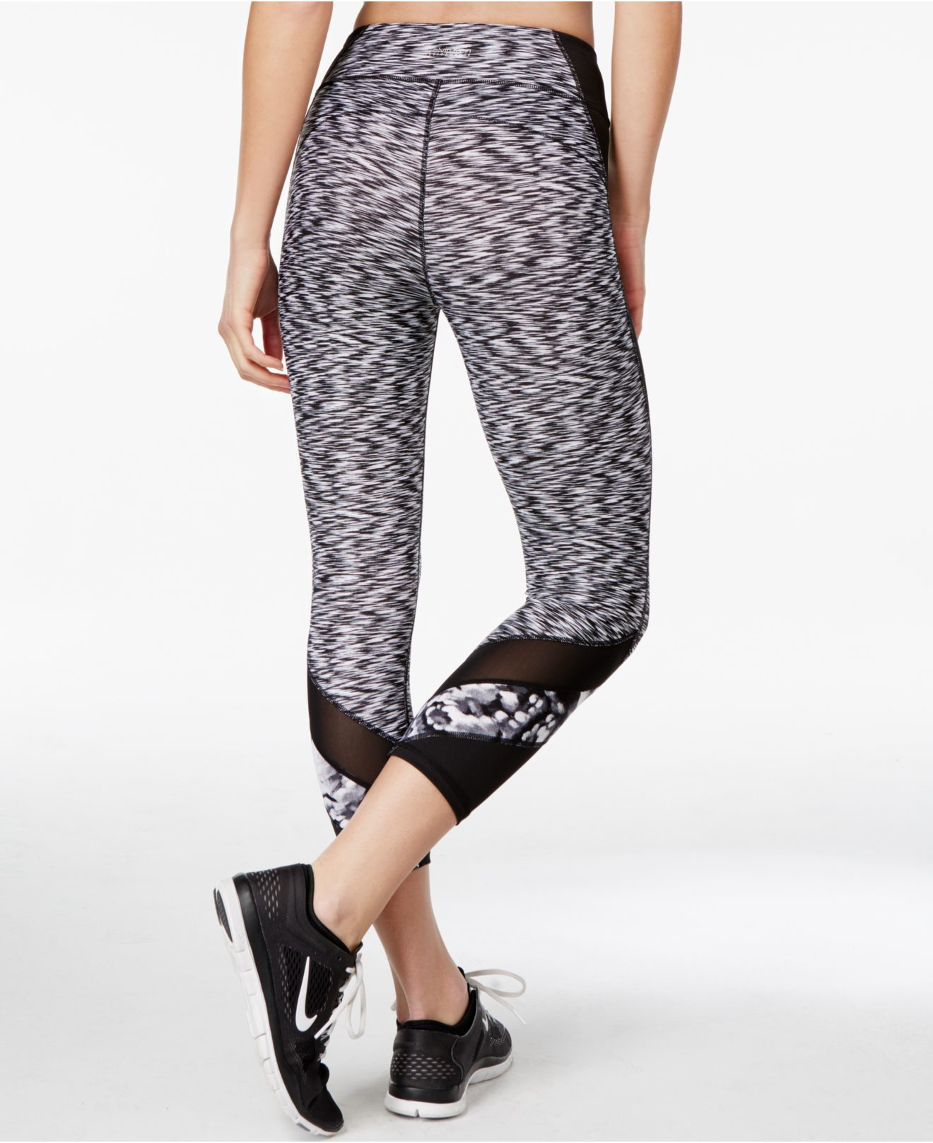 2d3a719bbe78e Calvin Klein Performance Printed Cropped Leggings in Black - Lyst