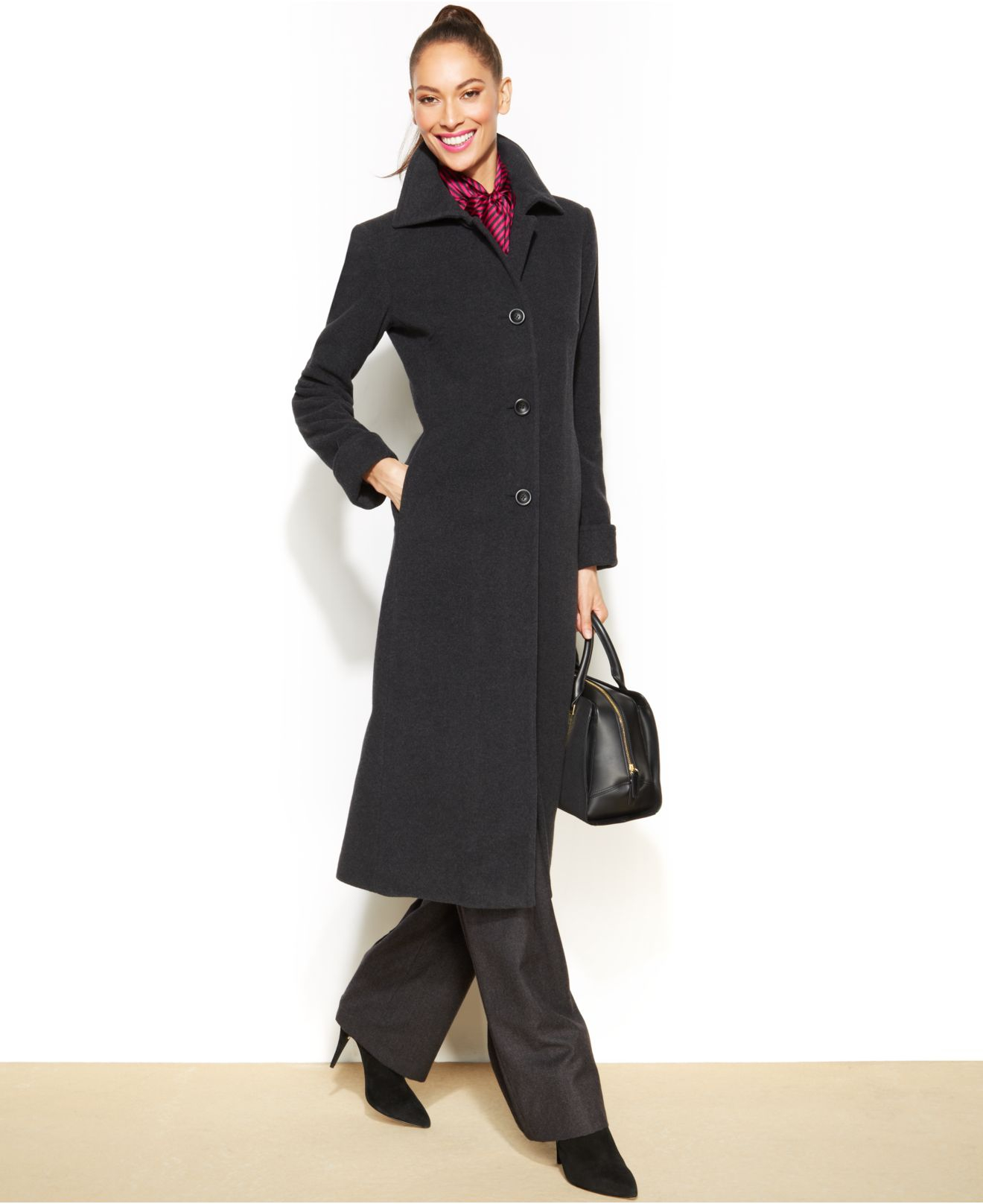 A slender silhouette. This petite maxi coat gives full coverage, but in a fitted fashion. The snappy buttons, notched collar, and slash pockets achieve a tailored look that goes to great lengths/5(20).
