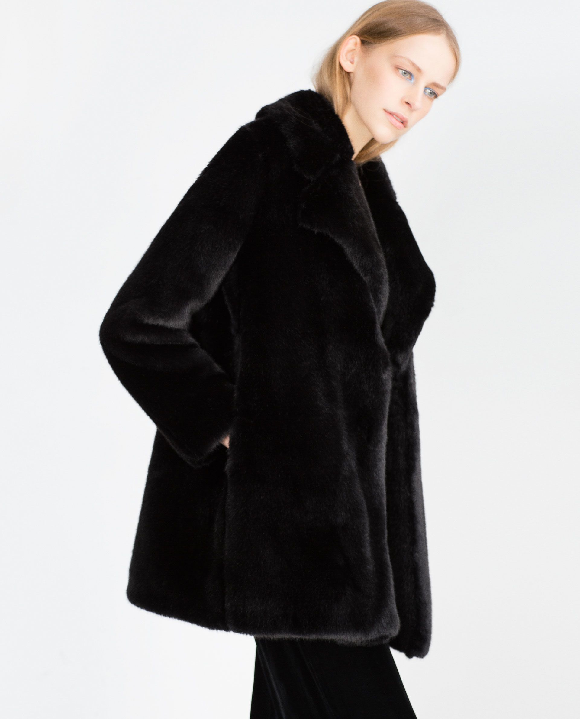 Black Faux Fur Coat Photo Album - Reikian