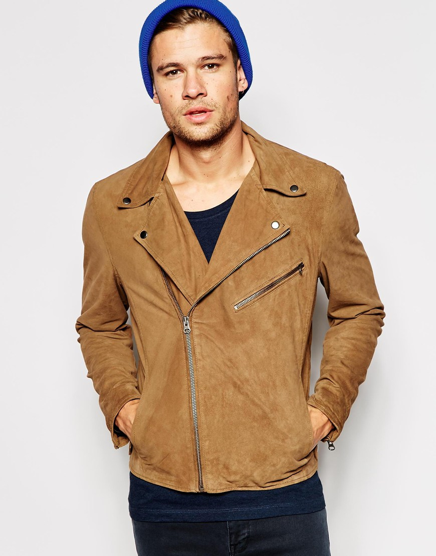Stay comfortable in any weather with men's jackets. Men will look and feel great in cold weather with the help of a new men's jacket. Sears has great outerwear choices to express any personal style.