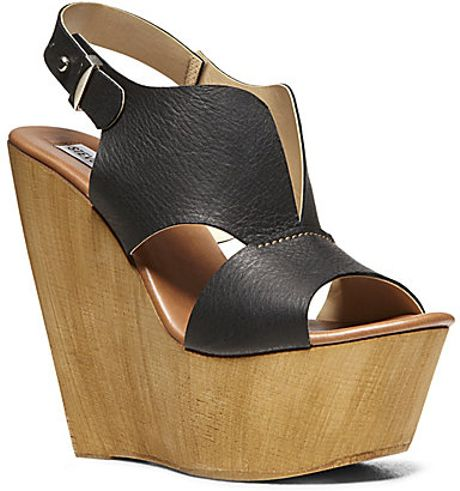 Steve Madden Plungee in Black (BLACK LEATHER)