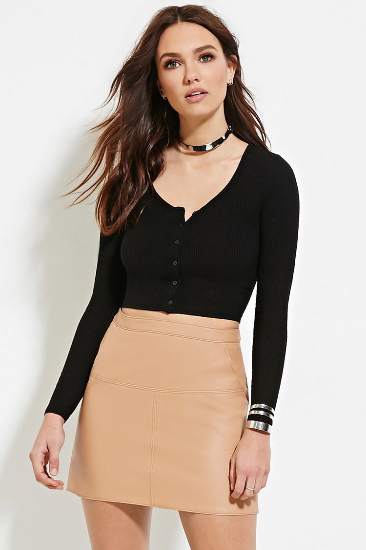 94ad01cd9161fd Forever 21 Ribbed Button-front Crop Top in Black - Lyst