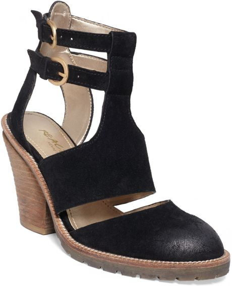 Kenneth Cole Reaction Kit N Catch Gladiator Sandals In