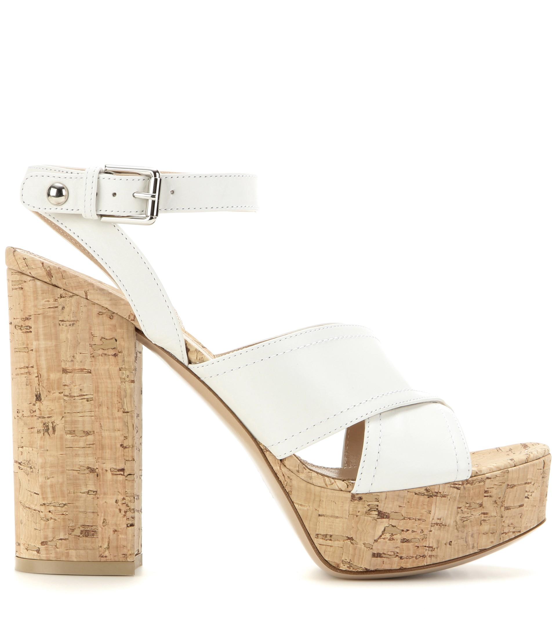 365ac2ba398 Gianvito Rossi Suzie Leather Platform Sandals in Natural - Lyst