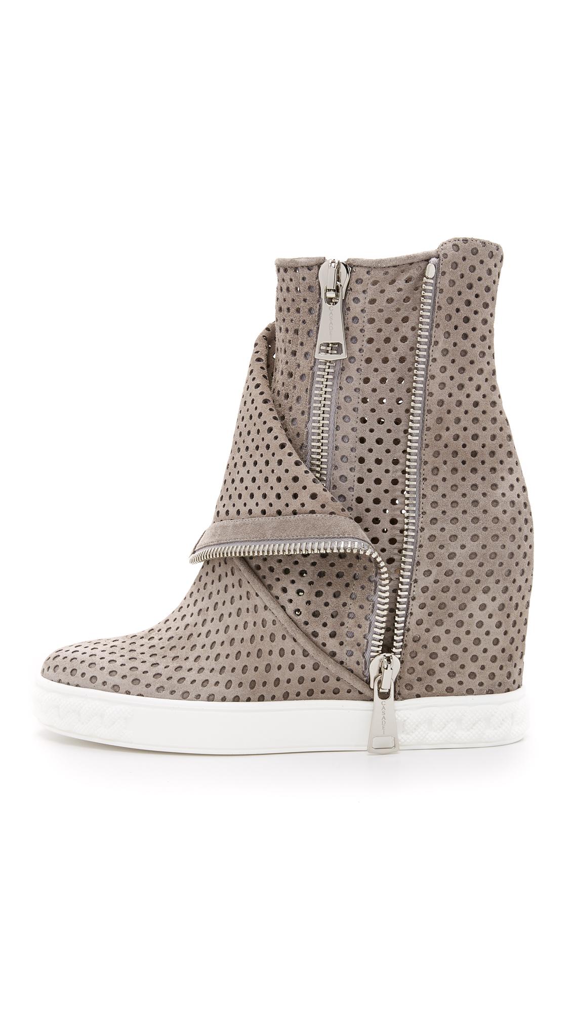 Sneaker calfskin perforated suede beige Casadei XXS3EKa