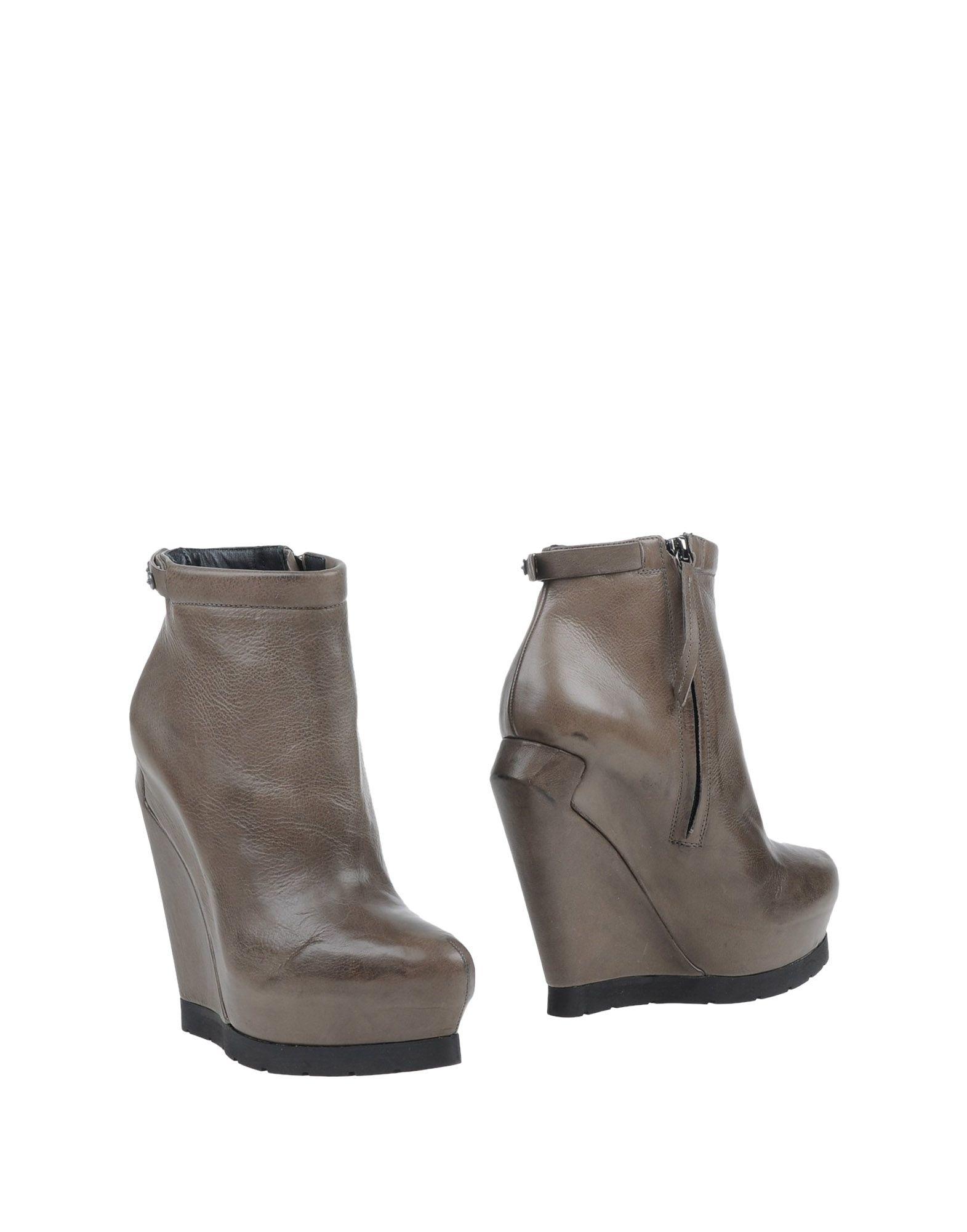 Cinzia Araia Ankle Boots In Green Lyst