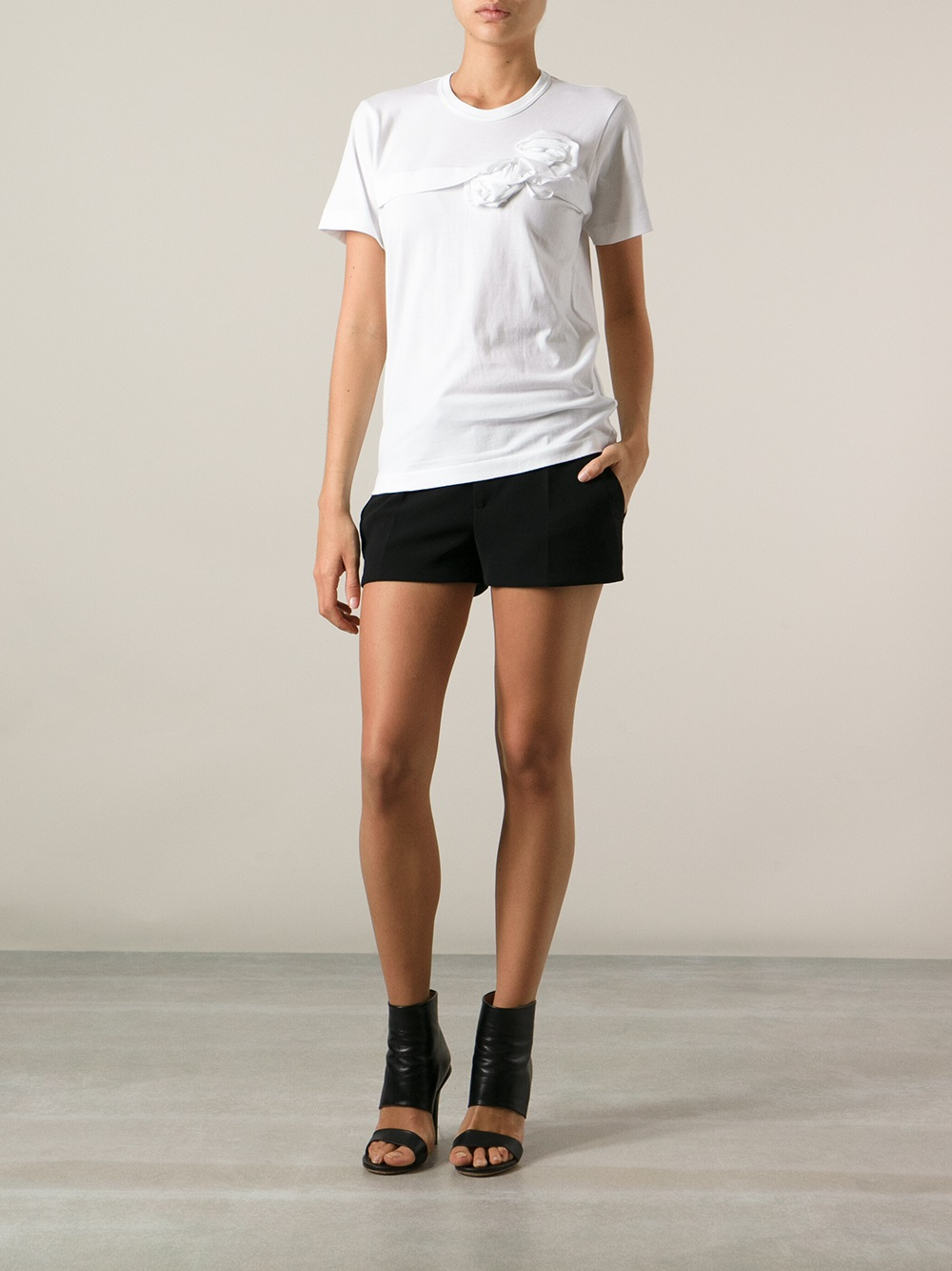 comme des gar ons ruffle detail t shirt in white lyst. Black Bedroom Furniture Sets. Home Design Ideas