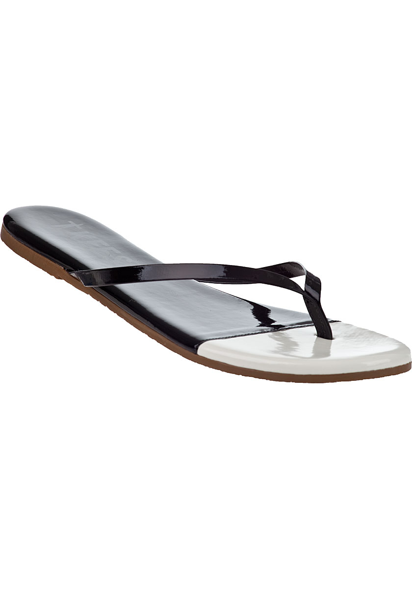 PAPILLIO BIRKENSTOCK ARIZONA-PLATEAU Black White Platforms Sandals Flip-Flops - $ Papillio by BirkenstockArizona PlateauBlack, White, Patent Black, Patent White, Rose Graceful, Black Knotted, Patent Pink, Lavendel Graceful, Babyblue Graceful, Yellow Graceful, Leo White, Monochrome Marble Black narrow width Please contact us for any information, we will be happy to answer! www.