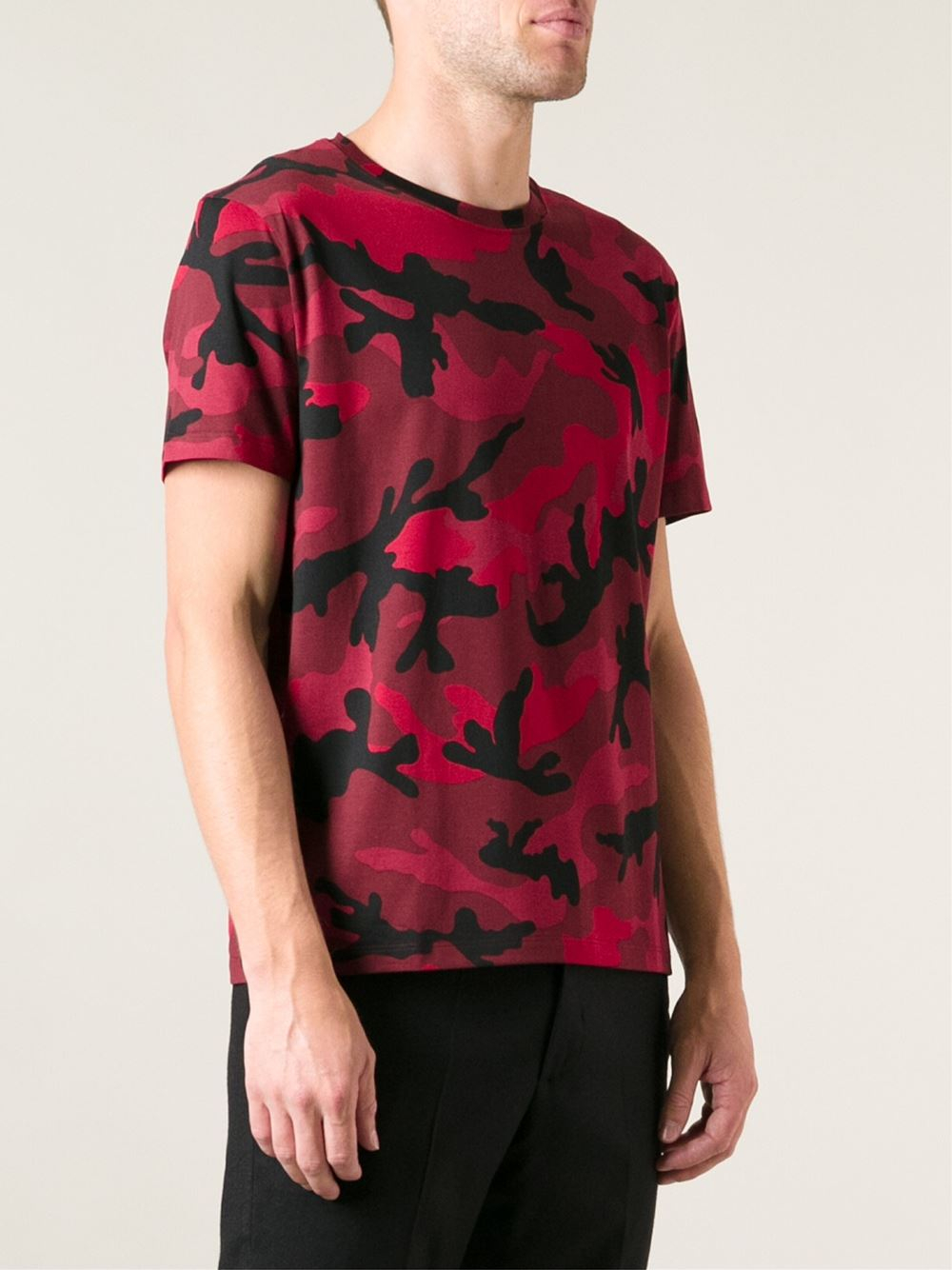Valentino camouflage print tshirt in red for men lyst for Camo print t shirt