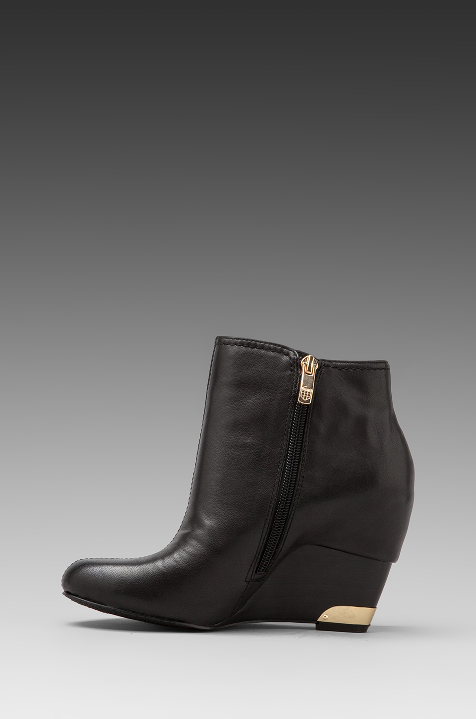 Lyst Vince Camuto Huxley Bootie In Black In Gray