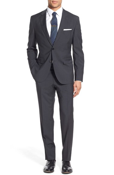 Cotton, Linen And Wool Suits Casual suits are a summer staple for the well turned out man and with summer just around the corner for those of us in the Southern Hemisphere, I thought I'd talk about why suits made out of cotton and linen are considered to be more casual.