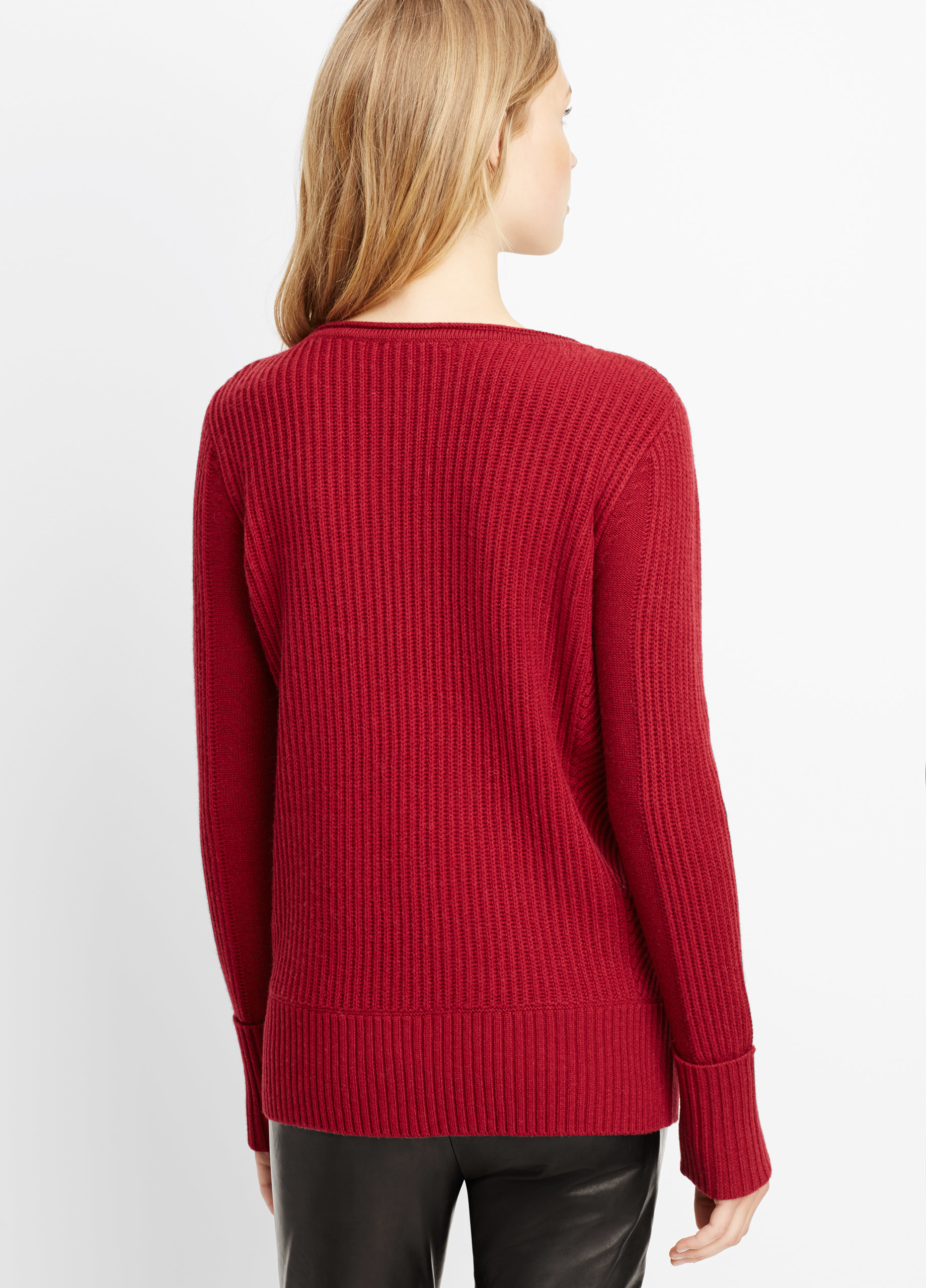 Vince Wool Cashmere Directional Rib Boatneck Sweater in Red | Lyst