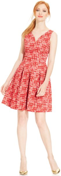Maggy London Sleeveless Roseprint Pleated Dress In Pink Lyst