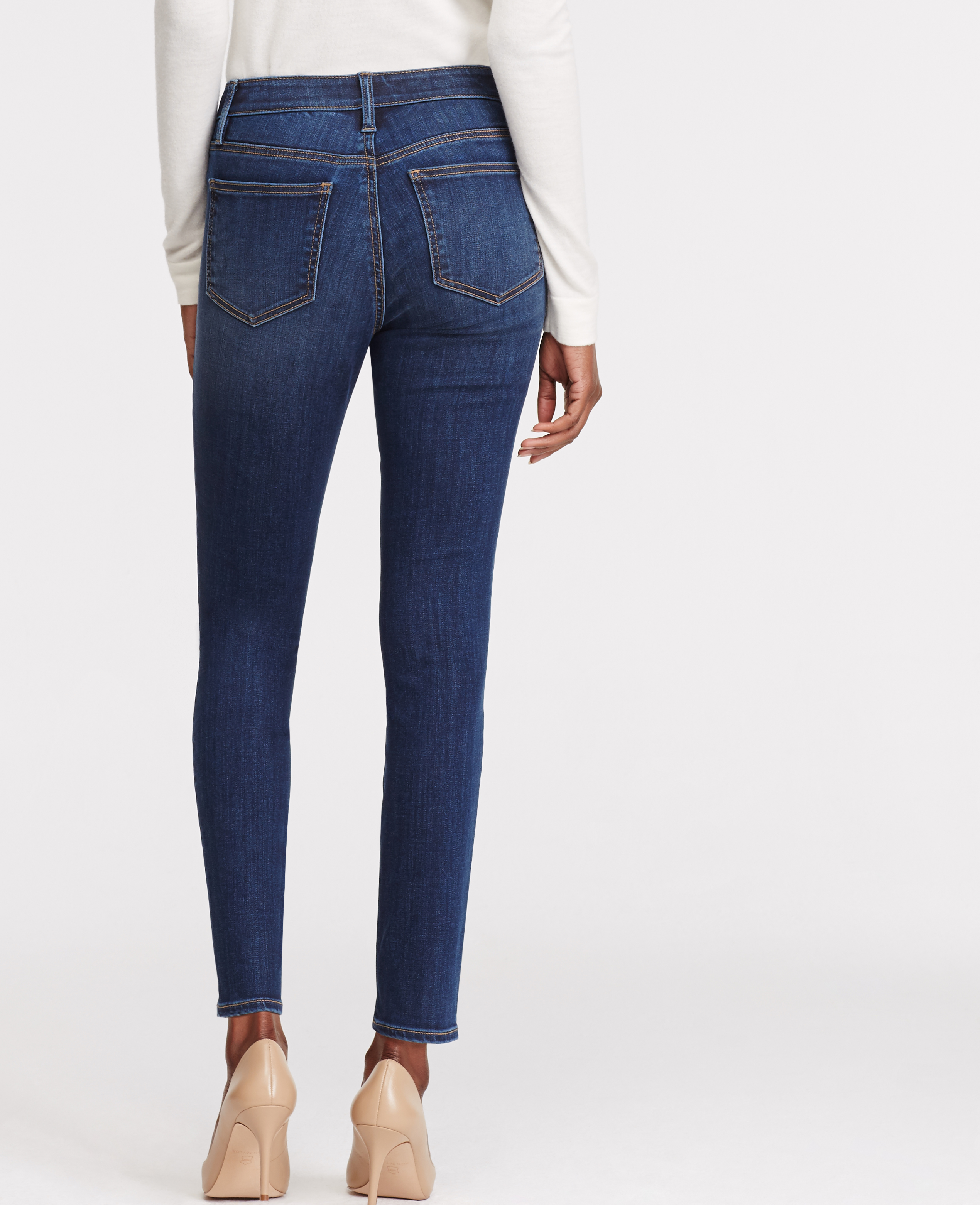 Watch video· For petite women (like Vazquez herself), she suggests going for a pair of jeans that are slim, high-waisted and cropped. The higher waist actually elongates your frame while the slim fit gives the.