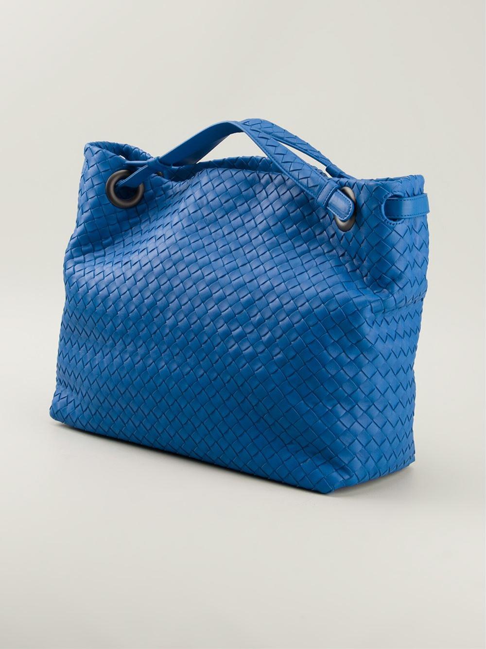 5a40d4da245a bottega veneta online - Bottega veneta Medium Intrecciato Tote in Blue