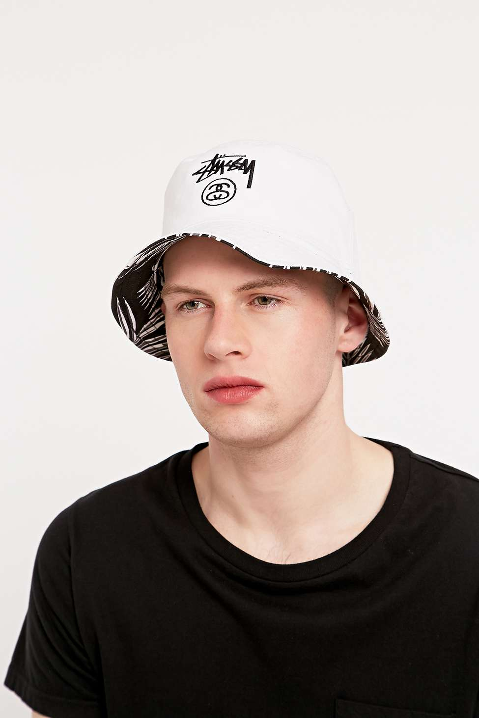 9c05a2b71dc21 Stussy Reversible Palm Bucket Hat In Black And White in Black for ...