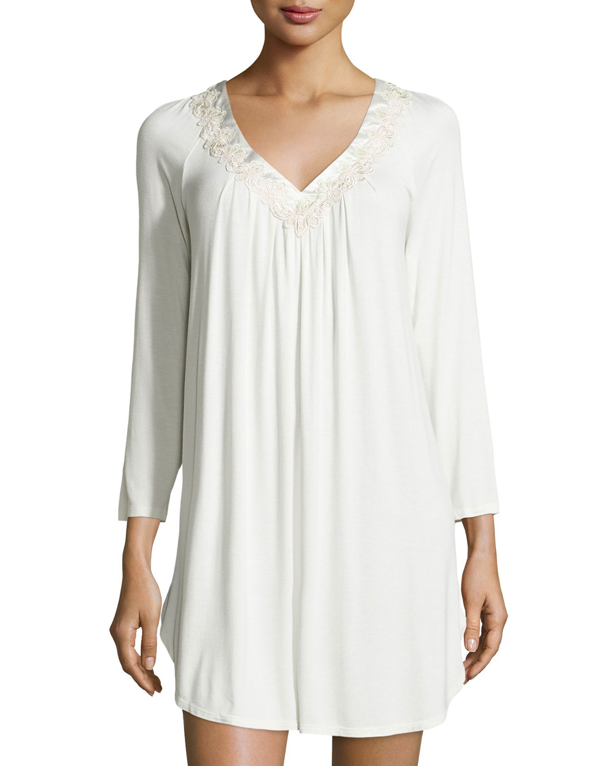 lyst oscar de la renta luxe jersey knit sleep shirt in white